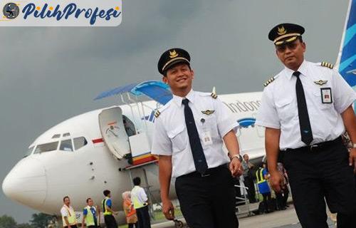 Besaran Upah Pilot Garuda Indonesia