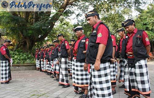 Hak Polisi Adat Bali