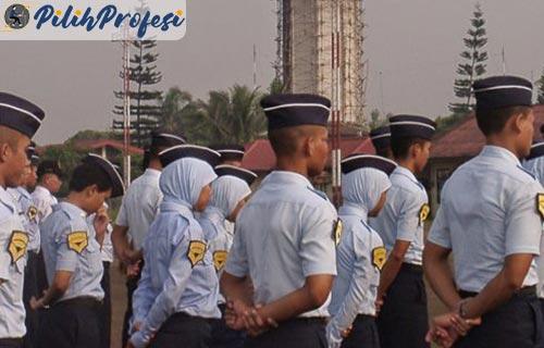 Sekolah Masinis Perkeretaapian di Indonesia