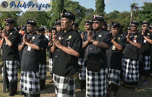 Polisi Adat Bali
