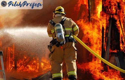 Tugas Seorang Pemadam Kebakaran