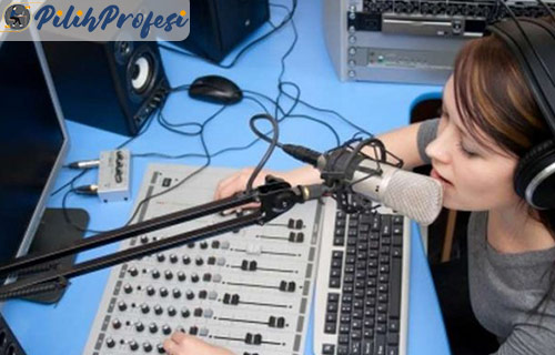 Tips Menjadi Penyiar Radio