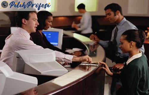 Peran Customer Service