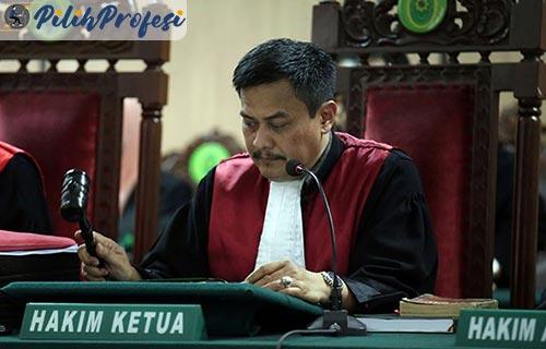 Peran Tanggung Jawab Hakim