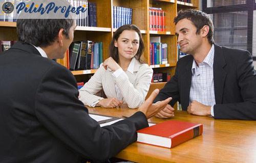 Suka Duka Menjadi Advokat