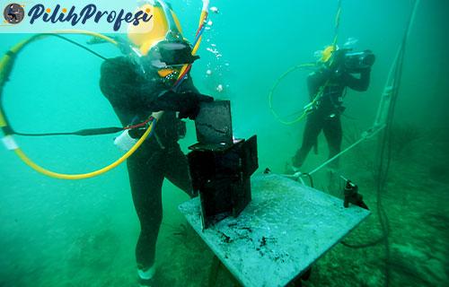 Ilmu Tukang Las Bawah Air