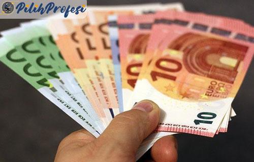 1. Uang Minus